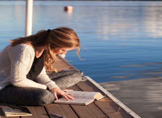 Motivációs könyvek olvasása